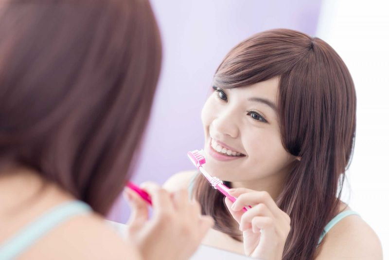 Chăm sóc răng đúng cách sẽ giúp răng bền hơn, khỏe mạnh hơn