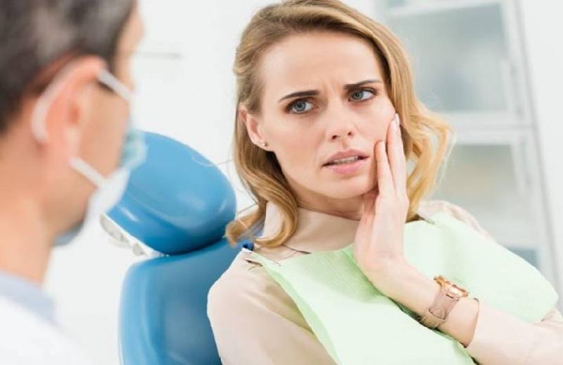 Việc mài cùi răng có thể khiến cho bà bầu bị đau nhức, ê buốt