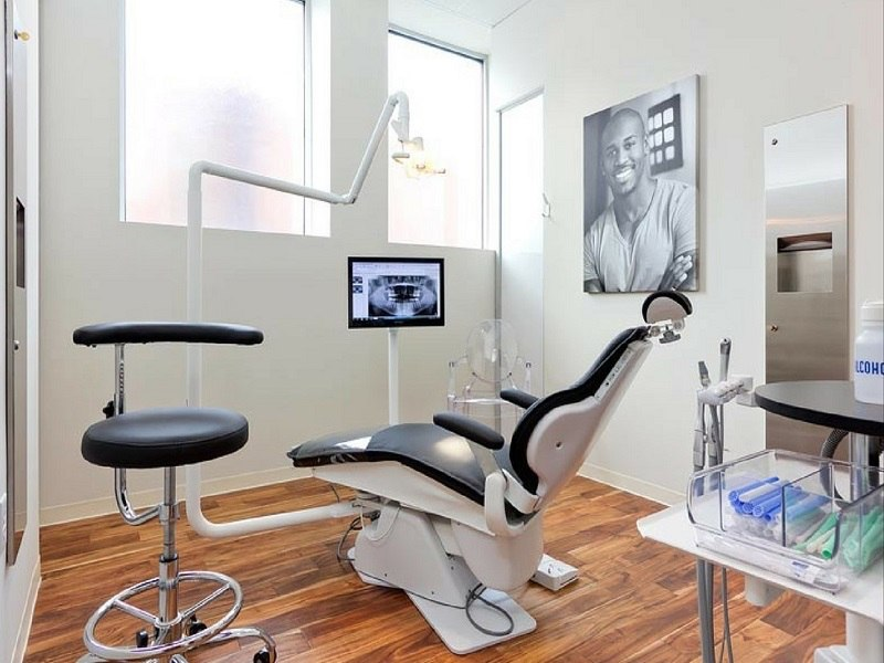 Hệ thống máy móc hiện đại giúp cho quá trình điều trị được diễn ra nhanh chóng, chính xác và hiệu quả hơn