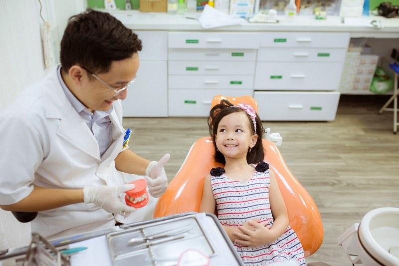 Lựa chọn địa chỉ chăm sóc răng cho bé uy tín