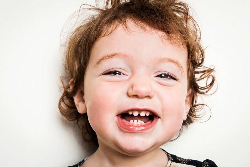 Răng sữa là những chiếc răng tạm thời xuất hiện khi bé còn nhỏ.