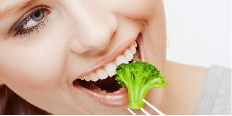 Niềng răng giúp quá trình nhai được diễn ra thuận lợi