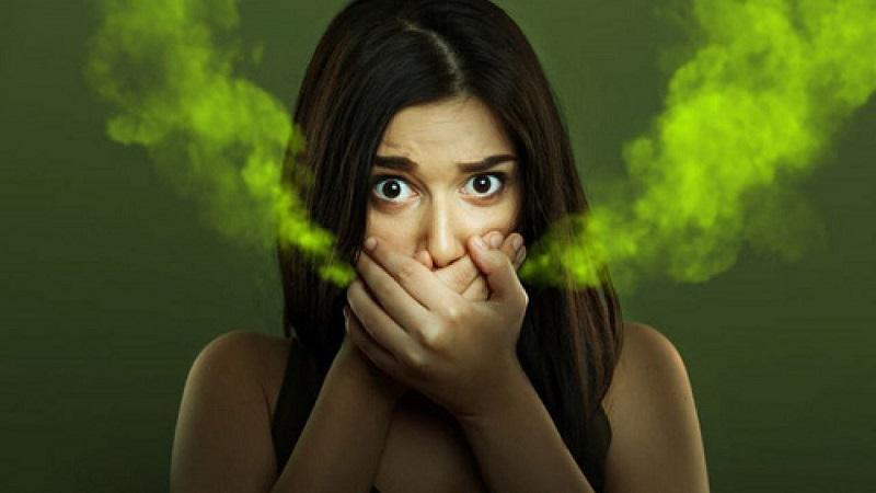 Bọc răng sứ có bị hôi miệng không? Điều này còn phụ thuộc vào nhiều yếu tố