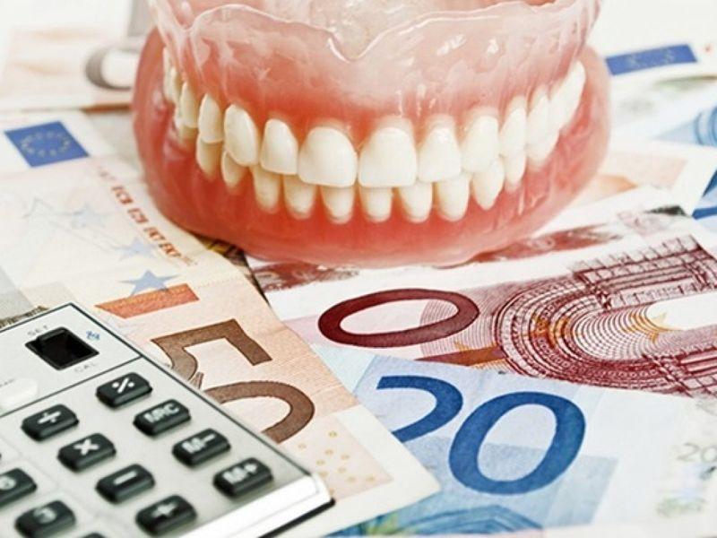Trả góp khi làm răng, khách hàng cần thanh toán trước 30 %-50% tổng số tiền
