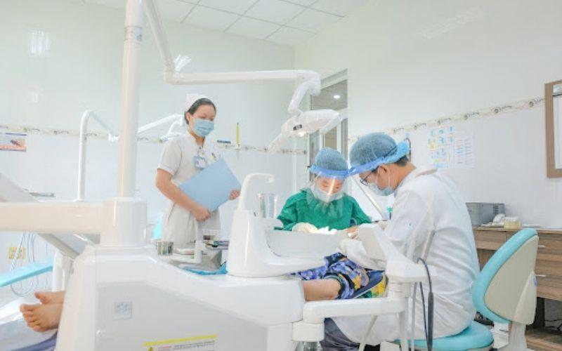 Nha khoa Lam Anh là cơ sở khám chữa r ăng tư nhân được nhiều người biết tới