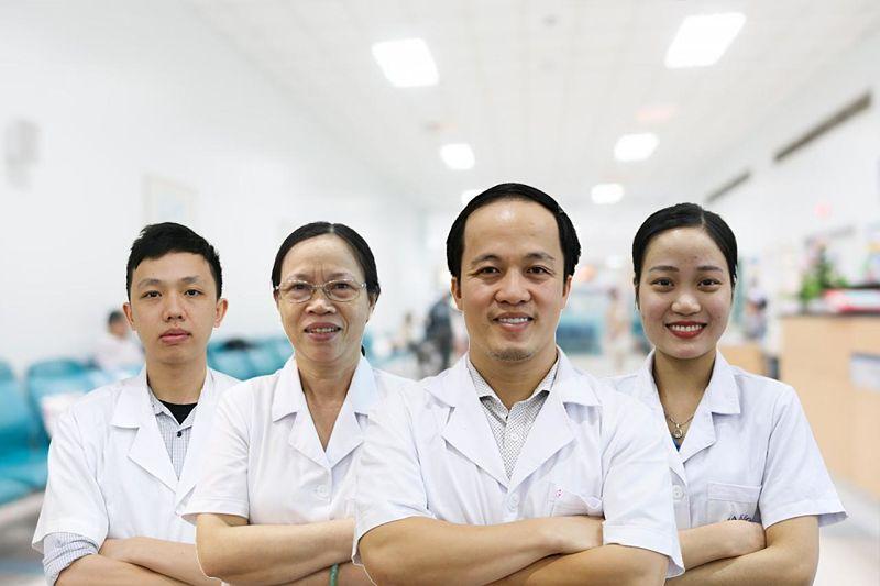 Đội ngũ bác sĩ tại trung tâm là những chuyên gia răng miệng hàng đầu