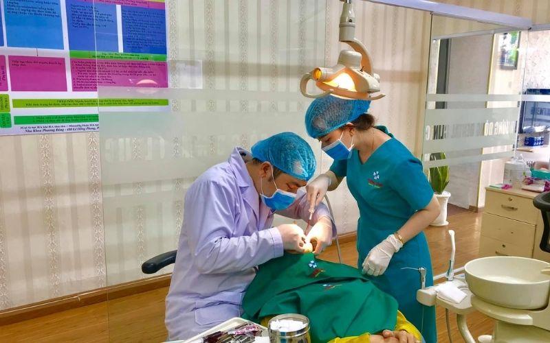 Đội ngũ y bác sĩ của phòng khám luôn tận tâm với bệnh nhân