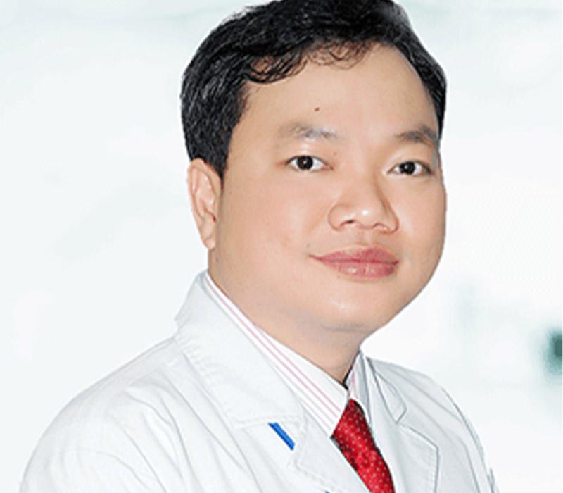 Bác sĩ Lên Tấn Hùng là một trong số bác sĩ nha khoa giỏi TPHCM